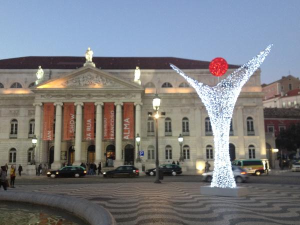 התיאטרון הלאומי, בחג המולד. פעם גרה כאן האינקוויזיציה.