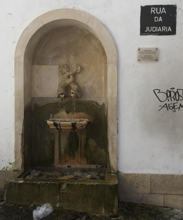Fonte do Poeta Rua da Judiaria