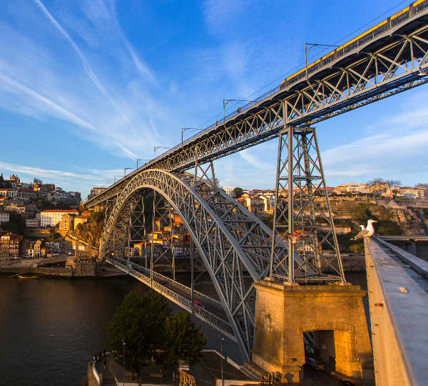 Douro-river-and-Dom-Luis-I-Bridge-49431