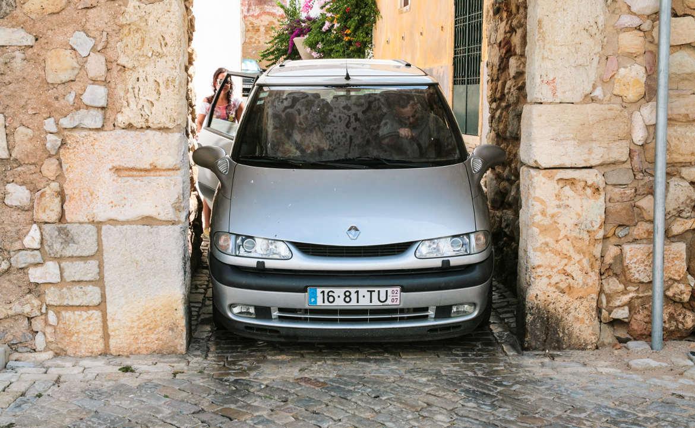 האם יש צורך ברישיון נהיגה בינלאומי בפורטוגל?